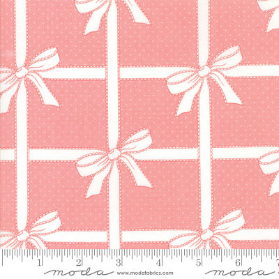 Moda Vintage Holiday Pink 55165 15 Yardage