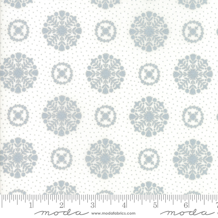 Moda Vintage Holiday Metallic Silver 55166 18M Yardage