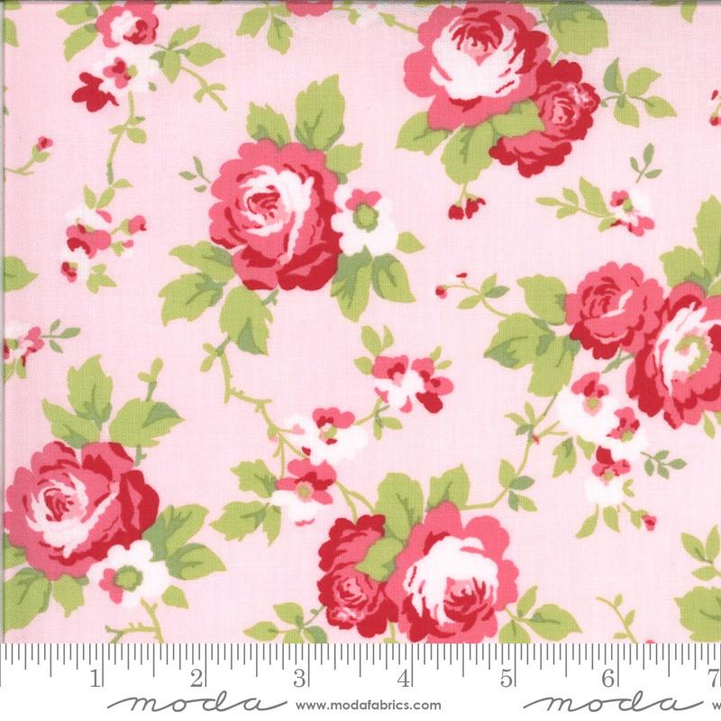 Moda Sophie Main Floral Blossom 18710 14 Yardage